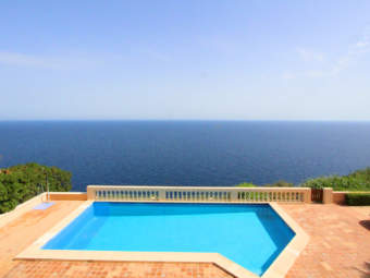 La Mola – Apartment in small frontline residential complex with spectacular views