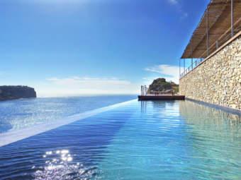 Cala Moragues – Minimalistic designer villa with stunning sea views