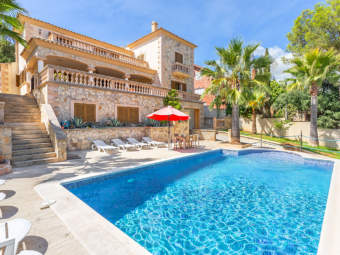 Charming Mediterranean villa with pool and close to the beach on the outskirts of Palma