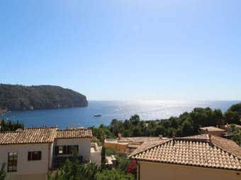 Exclusive terraced house with sea view in Golf Residence