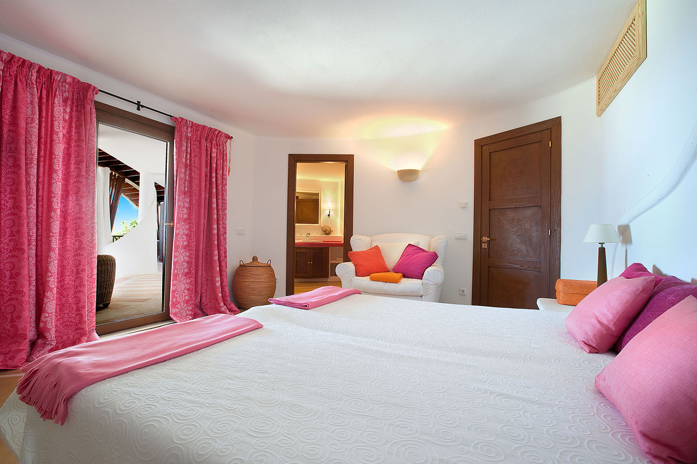 9338-designer-villa-port-andratx-h.jpg